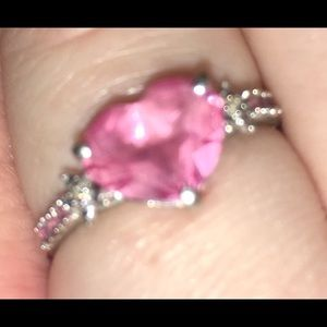 Jared pink sapphire heart ring in white gold.
